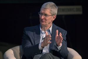 Tim Cook, president and CEO of Apple, Inc., discusses the interaction between business and climate during a New York City Climate Week event at the Morgan Library on September 22, 2014 in New York City. (Credit: Michael Graae/Getty Images)