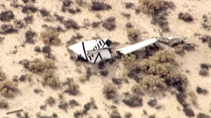 Wreckage from the Virgin Galactic rocket that crashed was spread out across a wide area in the Mojave Desert near Cantil on Oct. 31, 2014. (Credit: KTLA)