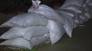 Glendora residents filled sandbags amid mudslide concerns on Monday, Dec. 1, 2014. (Credit: KTLA)