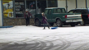 Snow began falling Dec. 30, 2014,  in Lake Arrowhead. (Credit: KTLA)