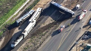 A Metrolink train derailed in Oxnard on Tuesday, Feb. 24, 2015. (Credit: KTLA)