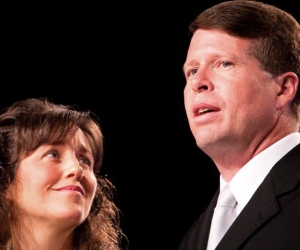 "Michelle and Jim Bob Duggar of TLC's ""19 Kids and Counting"" speak at the Values Voter Summit on n Washington, DC. (Credit: Brendan Hoffman/Getty Images)"