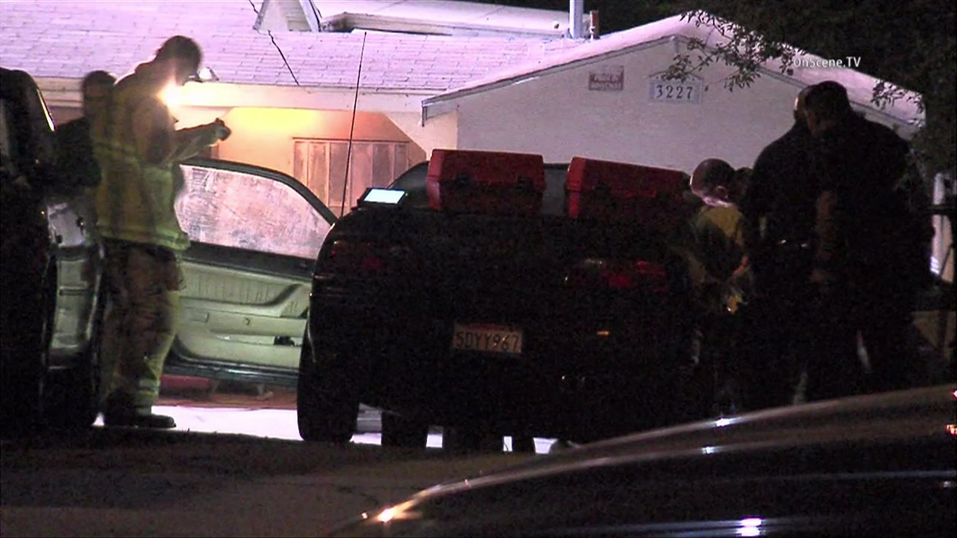 Police responded to a fatal shooting in Glassell Park on Aug. 11, 2015. (Credit: OnScene.TV)