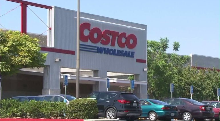 The Costco in Burbank is shown on Sept. 22, 2015. (Credit: KTLA)