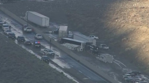 Vehicles remained stuck on Highway 58 on Oct. 16, 2015. (Credit: KTLA)