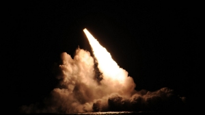 A Trident II D-5 ballistic missile is launched from the Ohio-class ballistic missile submarine Kentucky during a test in the Pacific Ocean onNov. 7, 2015. (Credit: U.S. Navy)