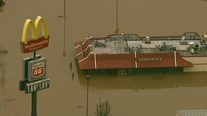 Flood waters cover a McDonald's in Union, Missouri on Dec. 29, 2015. (Credit: KTVI)
