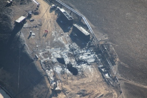 Aerial images from over SoCal Gas' leaking Aliso Canyon well above Porter Ranch show the facility on Dec. 17, 2015. (Credit: Earthworks/Pete Dronkers)