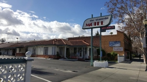 The Alameda Motel in San Jose where the three Orange County jail escapees stayed for two nights, its manager said. (Credit: Anh Do / Los Angeles Times)