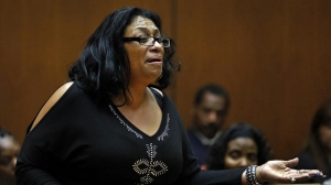 Enietra Washington, the only known survivor of the serial killer known as the Grim Sleeper, addresses Lonnie Franklin Jr., the man accused of attacking her, in February 2015. (Credit: Al Seib / Los Angeles Times)
