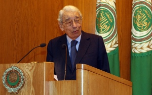 Former United Nations secretary general Boutros Boutros Ghali delivers a speech on the first day of the Arab-African Dialogue on Democracy and Human Rights at the Arab League headquarters in Cairo on December 7, 2009. (Credit: CRIS BOURONCLE/AFP/Getty Images)