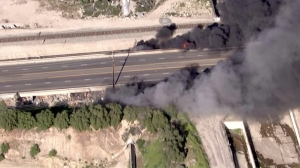 LAFD responded to a fire i Sun Valley on March 24, 2016. (Credit: KTLA)