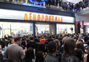 A general view of the YouTube celebrity Bethany 'Macbarbie07' Mota exclusive meet & greet at the Aéropostale store at Toronto Eaton Center on August 26, 2013 in Toronto, Canada. (Credit: George Pimentel/Getty Images for Aeropostale)