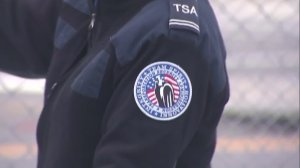 A TSA officer works a Bernie Sanders campaign event in San Pedro on May 27, 2016. (Credit: KTLA)