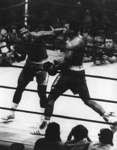 The World Heavyweight title fight between Joe Frazier (left) and Muhammad Ali (1942 - ) at Madison Square Garden. Frazier won on points. (Photo by Keystone/Getty Images)