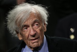 Nobel Peace Laureate Elie Wiesel arrives for a roundtable discussion on Capitol Hill March 2, 2015 in Washington, DC. (Credit: Win McNamee/Getty Images)