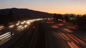Morning commuters travel the 210 Freeway in this file photo taken Dec. 1, 2009, near Pasadena. (Credit: David McNew/Getty Images)