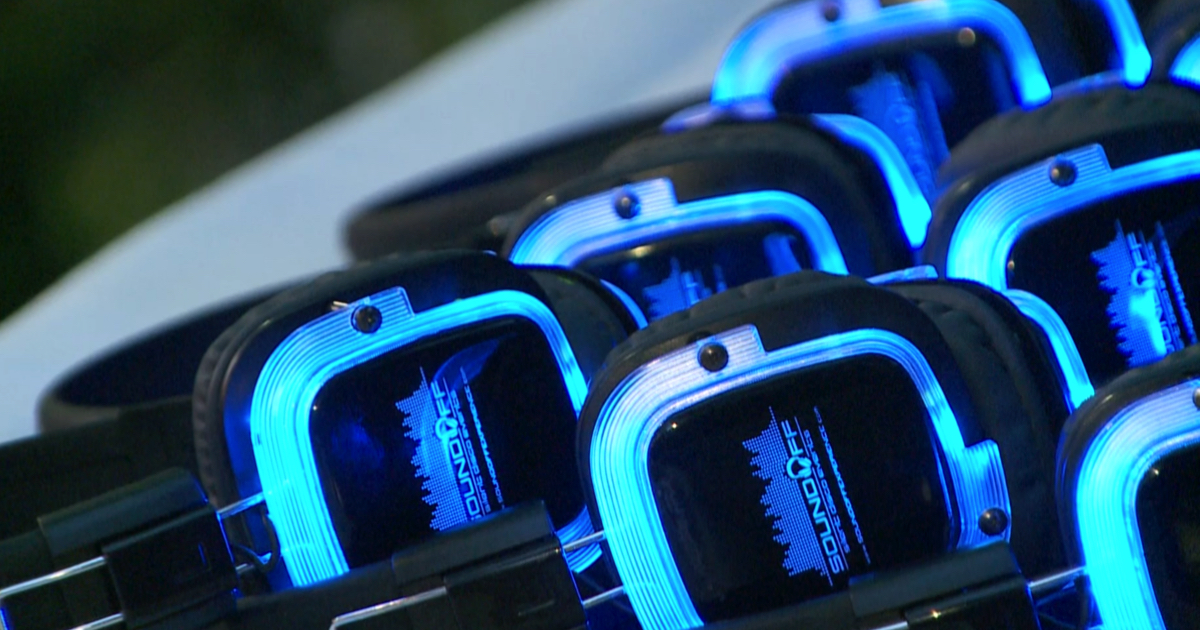 Sound Off Experience uses glowing, wireless, noise-isolationg, 3-channel headphones