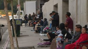 Hundreds of Selena fans waited outside Madame Tussauds Hollywood for the unveiling of the Tejana singer's wax figure on Aug. 30, 2016. (Credit: KTLA)