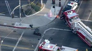 A motorcyclist died after a crash in Reseda on Aug. 24, 2016. (Credit: KTLA)