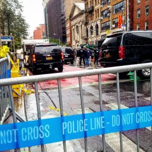 NYPD officers on the scene in Chelsea on September 19, the morning after the bombing in New York City. (Credit: Marie-Laure Sibilia Adnet)