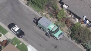 An Angeles National Forest truck responds in Sierra Madre after a bear attack on Oct. 10, 2016. (Credit: KTLA)