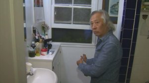 Bing Cheng Liang describes how he discovered a man trying to get into his El Monte home on Oct. 7, 2016. (Credit: KTLA)
