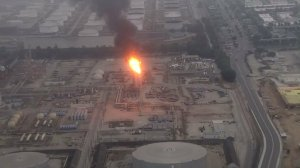 The Torrance refinery shows flaring on Oct. 11, 2016. (Credit: KTLA)