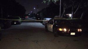 Authorities investigate a triple shooting in Compton on Nov. 22, 2016. (Credit: KTLA)