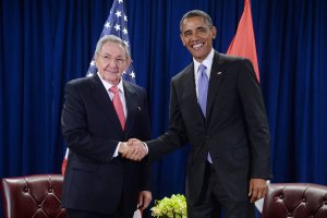 U.S. President Barack Obama, right, and President Raul Castro of Cuba shake hands during a bilateral meeting at the United Nations Headquarters on Sept. 29, 2015 in New York City. (Credit: Anthony Behar-Pool/Getty Images)