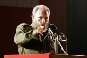 Cuban President Fidel Castro delivers a speech during a political rally of the Alternative Mercosur Summit in Cordoba, Argentina, 21 July 2006. (Credit: MIGUEL ROJO/AFP/Getty Images)