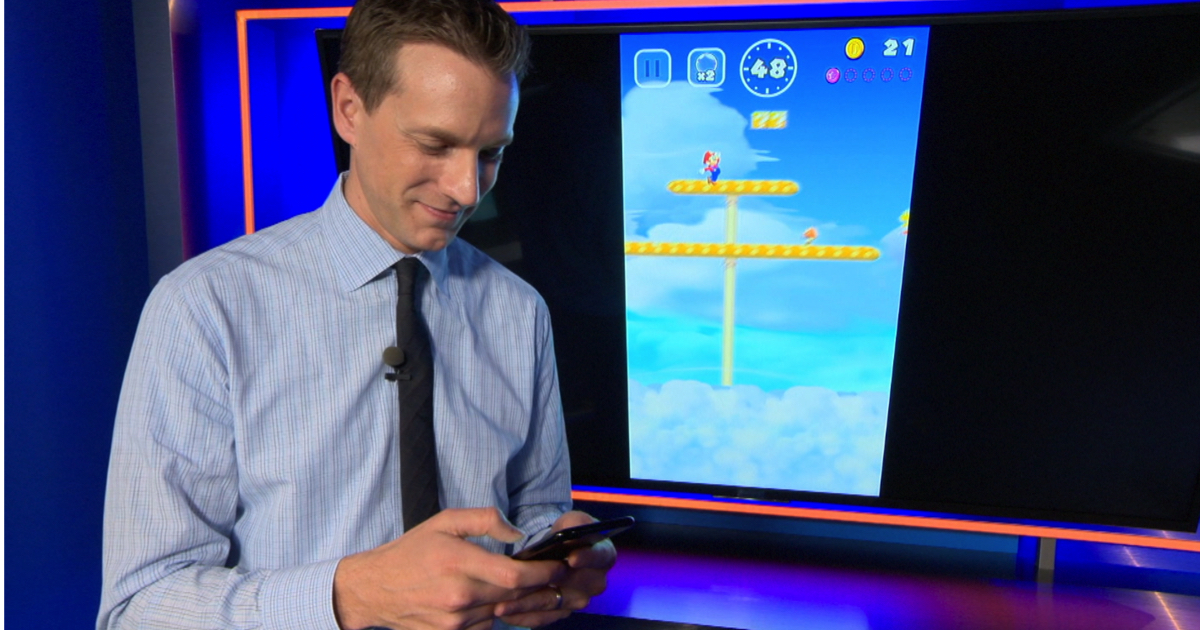 ktla-rich-demuro-playing-super-mario-run