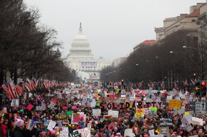 Protesters march down Pennsylvania avenue during the Women's March on Washington Jan. 21, 2017, in Washington, D.C. (Credit: Aaron P. Bernstein / Getty Images)