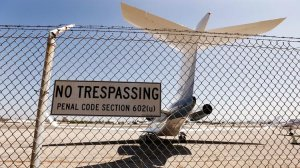 Santa Monica Airport will close in 2028, officials announced. (Credit: Al Seib / Los Angeles Times)