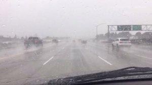 Rain falls on a Southern California freeway on Jan. 12, 2017. (Credit: KTLA)