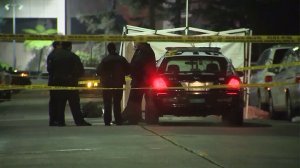 Police investigate a fight that turned deadly in the Westlake neighborhood on Jan. 13, 2017. (Credit: KTLA)