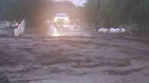 A street was flooded in the Santa Clarita area on Feb. 17, 2017. (Credit: KTLA)