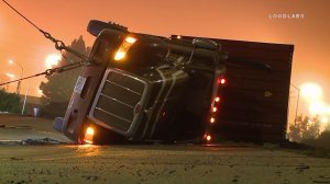 A big rig overturned in San Pedro on Feb. 8, 2017. (Credit: Loudlabs)