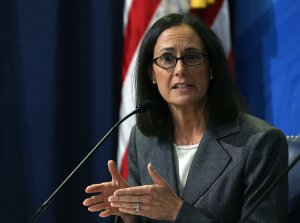 Illinois Attorney General Lisa Madigan speaks at the FTC headquarters in Washington, D.C. on Nov. 4, 2015. (Credit: Mark Wilson/Getty Images)