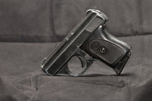 A small automatic pistol is seen in this file photo. (Credit: iStock / Getty Images Plus)