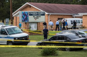 Law enforcement continues their investigation around the Burnette Chapel Church of Christ on Sept. 24, 2017, in Antioch, Tennessee. (Credit: Joe Buglewicz / Getty Images)