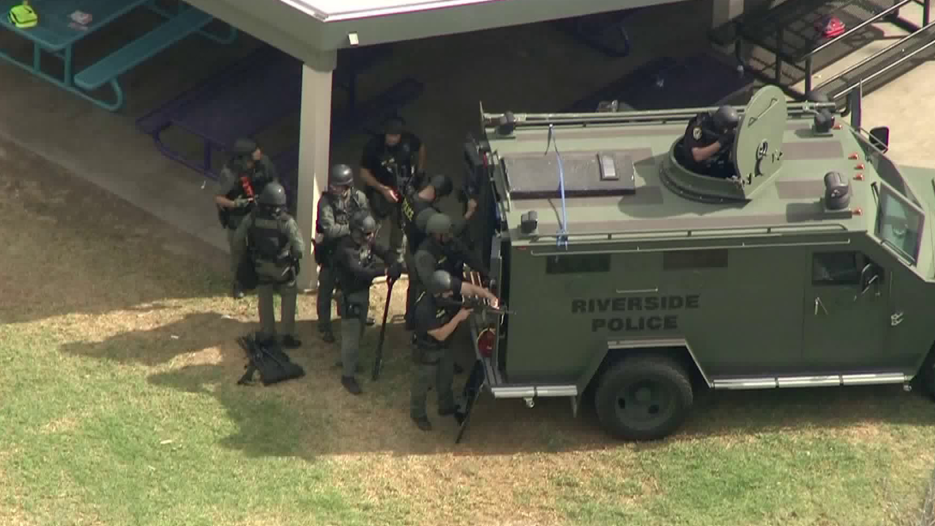 Riverside police respond to an elementary school standoff Oct. 31, 2017. (Credit: KTLA)