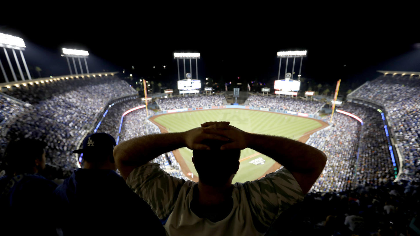A frustrated Dodgers fan watches Game 7 on Nov. 1, 2017. (Credit: Allen J. Schaben / Los Angeles Times)