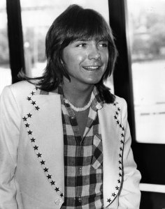 David Cassidy at a press conference in the LWT studios on the South Bank, London, in this file photo from May 1974. (Credit: Ian Showell/Keystone/Getty Images)