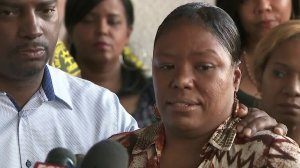 Ottawa Cureton spoke out about the death of her son in a suspected DUI crash just days earlier during a news conference in Compton on Nov. 25, 2017. (Credit: KTLA)