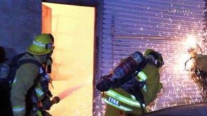 Firefighters battle a blaze in Pacoima on Nov. 10, 2017. (Credit: KTLA)