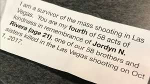 The note left by a Las Vegas mass shooting survivor for a kind stranger is seen on Nov. 16, 2017. (Credit: KTLA)