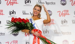Mallory Hagan poses during a news conference after she was crowned during the 2013 Miss America Pageant at Planet Hollywood Resort and Casino on Jan. 12, 2013 in Las Vegas. (Credit: David Becker/Getty Images)