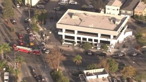 Long Beach police respond to reports of an active shooter on East San Antonio Drive on Dec. 29, 2017. (Credit: KTLA)