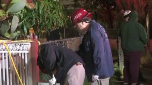 Officials investigate a fatal fire in the Pico-Union neighborhood of Los Angeles on Jan. 10, 2018. (Credit: KTLA)